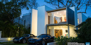 La Casa del Arbol / Playa del Carmen, Quintana Roo, México: Casas unifamiliares de estilo  por AR STUDIO
