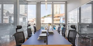 modern Study/office by Concept Engenharia + Design