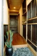 リフォーム後の玄関ホール: 有限会社 光設計が手掛けたです。