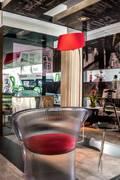 HOME OFFICE DEL FOTÓGRAFO - EXPODECO 2016: Oficinas de estilo moderno por ARKILINEA