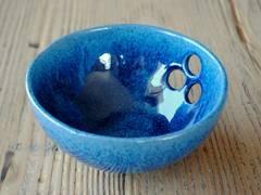 Ayşe Şakarcan Ceramics – Delikli Kase :  tarz