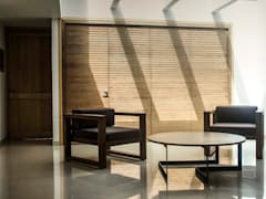 Sillas y mesa de centro :  de estilo  por Estudio Negro