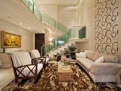 Sala de Estar: Salas de estar minimalistas por Livia Martins Arquitetura e Interiores