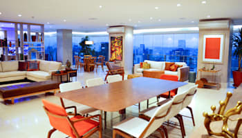 SALA DE JANTAR COM VISTA PANORÂMICA: Salas de jantar  por Adriana Scartaris design e interiores