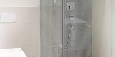 Casas de banho modernas por Innenarchitektur Berlin