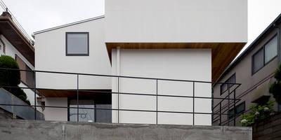 บ้านและที่อยู่อาศัย by ラブデザインホームズ/LOVE DESIGN HOMES