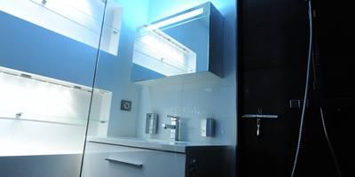 Salle de bain de style de style Minimaliste par Pepper Butter