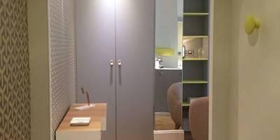 Couloir, Entrée & Escaliers de style de style Moderne par Pepper Butter
