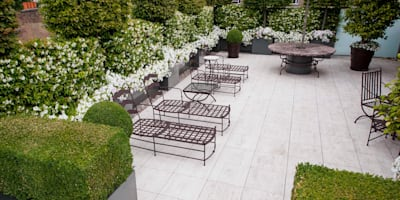 A space to relax in: classic Garden by Cameron Landscapes and Gardens