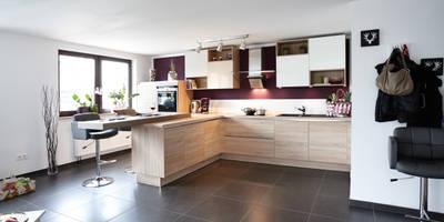 مطبخ تنفيذ Küchen Quelle