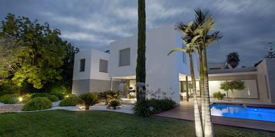 Jardines de estilo mediterraneo por Estudio de paisajismo 2R PAISAJE