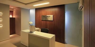 Oficinas y Tiendas de estilo  por Camila Tannous Arquitetura & Interiores