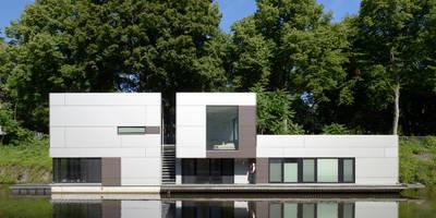 Hausboot am Eilbekkanal Hamburg: klassische Häuser von DFZ Architekten