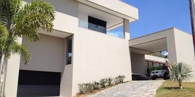 Casa Divinópolis: Casas modernas por Cassio Gontijo Arquitetura e Decoração