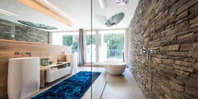 Wellnessoase: moderne Badezimmer von ARKITURA GmbH