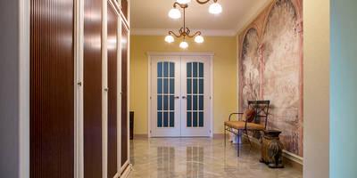 classic Corridor, hallway & stairs by Фотограф Анна Киселева