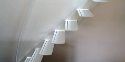 Escalier design profil:  de style  par La Stylique