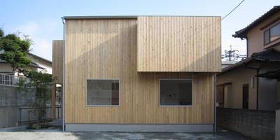 minimalistic Houses by 有限会社クリエデザイン/CRÉER DESIGN Ltd.