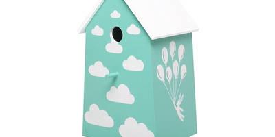 """Lampka nocna domek dla ptaków """"Z głową w chmurach"""": styl , w kategorii  zaprojektowany przez NOBOBOBO"""