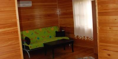 Salas / recibidores de estilo moderno por Özge Hotel & Bungalow