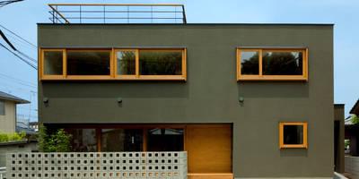 ミドリノイエ: group-scoop architectural design studioが手掛けた家です。