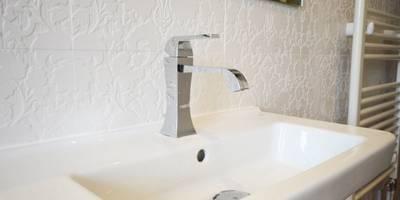 modern Bathroom by iroka