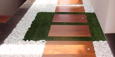 14 detalles para un jardín desde el interior: Pasillos, vestíbulos y escaleras de estilo moderno de Jardineria 7 islas