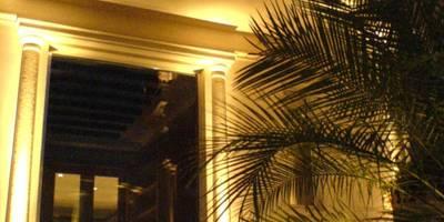 Residencia Laureles:  de estilo  por Iluminarq