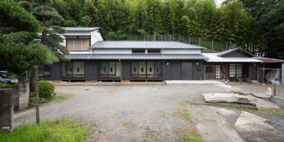 築100年の古民家再生 外観: 【快適健康環境+Design】森建築設計が手掛けた家です。