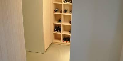 Woonhuis Nieuw-Vennep: minimalistische Gang, hal & trappenhuis door CG Interior Architecture