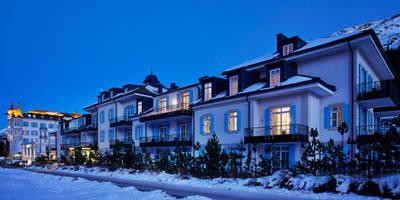 Kempinski Residences: Hotel in stile  di Spagnulo & Partners