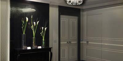 Progetto: Ingresso, Corridoio & Scale in stile in stile Moderno di Spagnulo & Partners