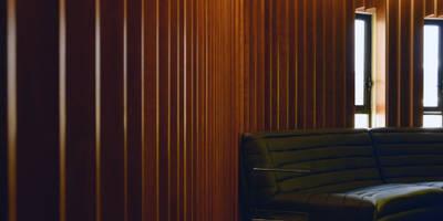 [Oficina MAD]: Salas de estilo moderno por Wowa