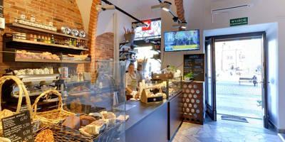 Widok na wejście i piekarnię: styl , w kategorii Gastronomia zaprojektowany przez OnlyHome