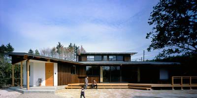 Casas de estilo ecléctico de 大森建築設計室