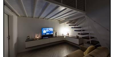 Bilocale44 L&A: Soggiorno in stile in stile Moderno di GINO SPERA ARCHITETTO