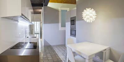 Remodelación de piso modernista: Cocinas de estilo minimalista de Torres Estudio Arquitectura Interior