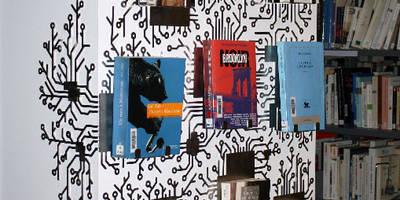 Présentoir en inox brossé MLK:  de style  par Shohan édition