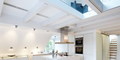 Maisonette Küche: moderne Küche von Planungsbüro für Innenarchitektur