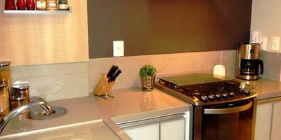 modern Kitchen by Marina Turnes Arquitetura & Interiores