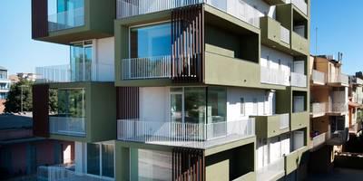 La casa sull'olivo: Case in stile in stile Moderno di Laboratorio di Progettazione Claudio Criscione Design