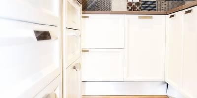 CASA DL: Cucina in stile in stile Moderno di Nau Architetti