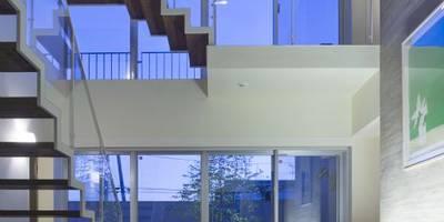 Коридоры, прихожие, лестницы в . Автор – 有限会社 橋本設計室