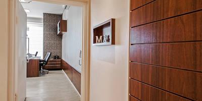 Projekty,  Domowe biuro i gabinet zaprojektowane przez Patrícia Azoni Arquitetura + Arte