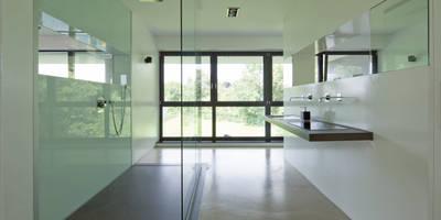 baqua - innovative Badlösungen - die neue Art zu Duschen / bodenebene Duschen : moderne Badezimmer von Natursteinwerk Rechtglaub-Wolf GmbH