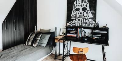Industrial Bedroom: industrial Bedroom by Katie Malik Interiors