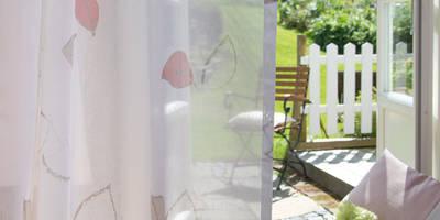 Indes Gardine Josie: landhausstil Wohnzimmer von Indes Fuggerhaus Textil GmbH