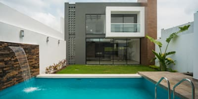 Casa Ax4: Albercas de estilo minimalista por ROKA Arquitectos
