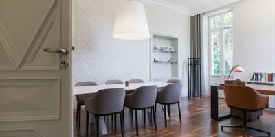 Cuir, Cuivre & Cognac: Bureau de style de style Moderne par Insides