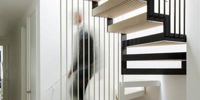 modern Corridor, hallway & stairs by Guttfield Architecture